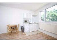 GREAT VALUE BEDSIT- IDEAL FOR SINGLE STUDENT/PROFESSIONAL- ALL BILLS INC. EXCEPT ELECTRICITY