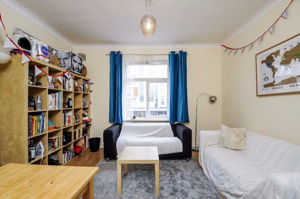 A spacious 2 double bedroom first floor apartment near Stockwell station. Wandsworth Road, SW8