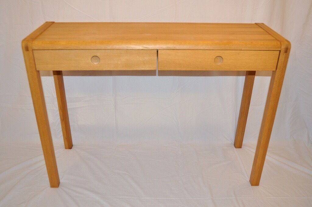 habitat radius oak console hall dressing table desk free local delivery in newham. Black Bedroom Furniture Sets. Home Design Ideas