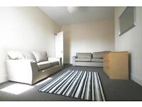 4 bedroom flat in Simonside Terrace, Heaton, NE6