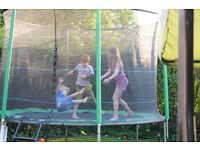 Rebo 10ft Fun Jump Trampoline With Halo Enclosure & Ladder - free assembly included