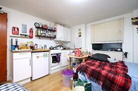 EXCELLENT VALUE STUDIO HOME- IDEAL FOR SINGLE/COUPLE- WALKING DISTANCE TO FINSBURY PARK STN