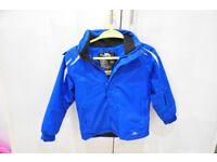 Kids Trespass skiing jacket (Aged 7-8 yrs / Height 122-128cm)
