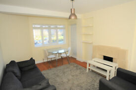 2 bed flat with balcony to rent close to transport available now