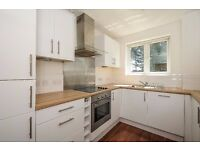 This superb three bedroom, two bathroom property to rent in Forest Hill - Mayode House