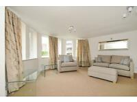 2 bedroom flat in Tennyson Lodge, Paradise Square, Oxford