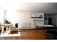 Large live /work studio flat in Old Street N1 EC1