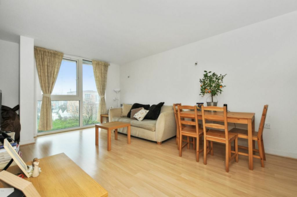 1 bedroom flat in Amazon Apartments, New River Avenue, Crouch End, N8