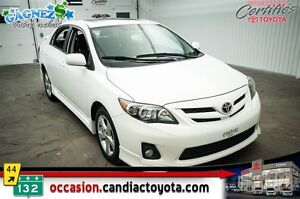 2012 Toyota Corolla S * * AC * TOIT * MAGS *