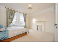 ** A LOVELY SPACIOUS 2 BEDROOM FLAT ON CORFTON ROAD WITH 2 DOUBLE BEDROOMS ***