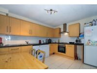 A spacious two bedroom ground floor flat to rent - Augustus Road SW19