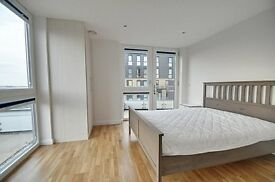 BRAND NEW 3 BED APARTMENT - 3 x double rooms - 6th FLOOR PENTHOUSE - VERY MODERN - LIGHT AND BRIGHT