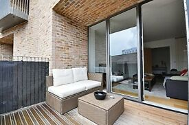 STUNNING BRAND-NEW 2 BED APARTMENT IN TW8. RIVERSIDE DEVELOPMENT, HIGH-SPEC, MODERN, OSP, FURN...