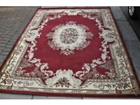 Crown red eastern type pattern carpet 200x290cm no wear, very nice and good condition.