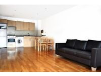 Large 1 bed in Post Office Conversion, Shoreditch