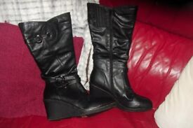 SIZE 9 BRAND NEW PAIR OF BLACK LONG BOOTS WITH WEDGE HEEL