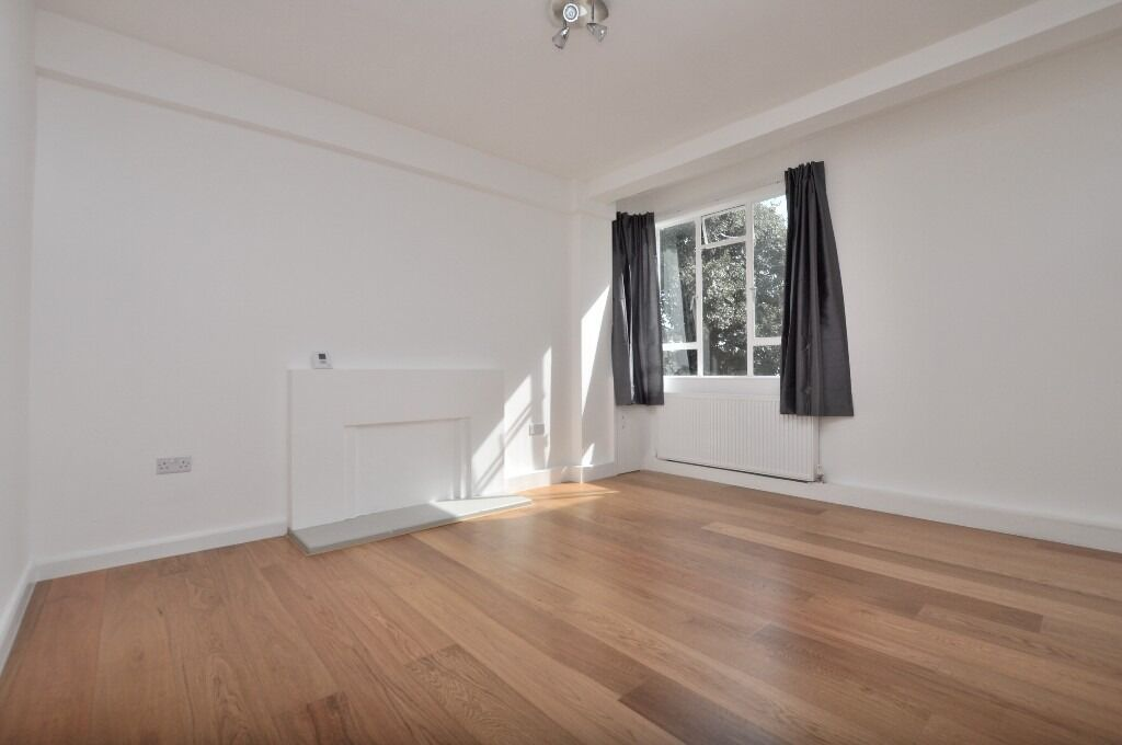 Recently refurbished 2 bed by Clapham Common