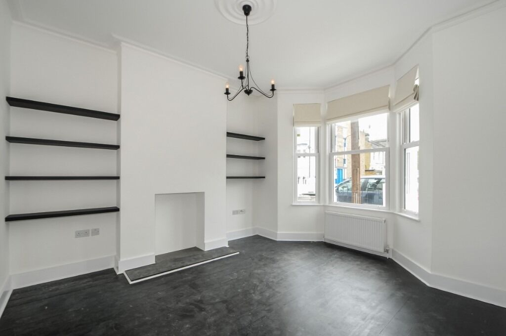 A newly refurbished four bedroom house offering a private garden, Pellant Road, SW6