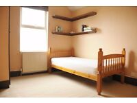 Super Cheap Room in Thornton Heath