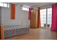 2 Bed with Patio in Whitechapel