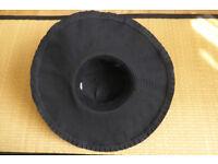 Coolibar UPF50+ sun protective women's city or pool hat