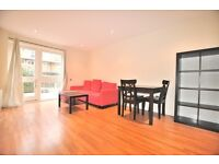 Brilliantly located 3 bedroom, 2 bathroom flat in Old St N1