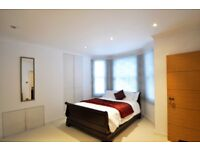 Two bedroom and three bathrooms flat available to rent in Earl's Court