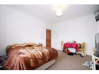LOVELY BEDSIT WITH ALL BILLS INCLUDED- CLOSE TO WEST END LANE/SWISS COTTAGE/FINCHLEY ROAD- MUST SEE