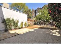 *SHORT LET - Bright, refurbished house in a picturesque mews in Holland Park - HIGHLY SOUGHT AFTER*