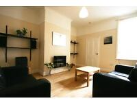 2 bedroom flat in Simonside Terrace, Heaton, Newcastle Upon Tyne, NE6