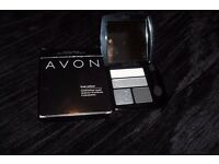 NEW AVON TRUE COLOUR QUAD EYESHADOW IN BLACK COMPACT WITH MIRROR