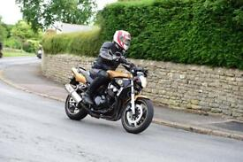 Yamaha FZS600 Motorcycle Gold