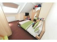 50% OF SECOND MONTHS RENT | ROOM TO LET IN GATESHEAD | REF: RNE00609