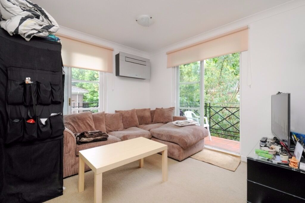A bright and spacious one bedroom apartment in a gated development, Brompton Park Crescent, SW6