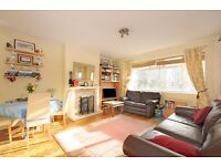 *** Bright and spacious two double bedroom flat, Rosebery Gardens, N8 ***