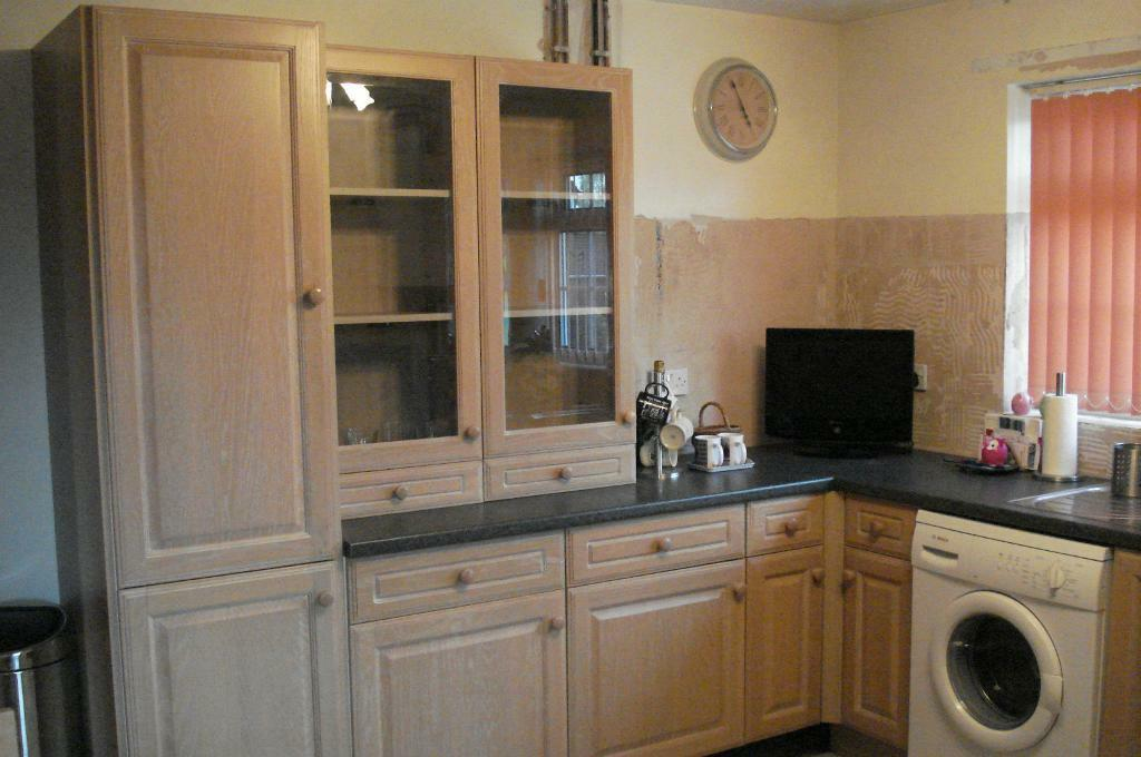 Solid oak fitted kitchen units and purchase sale and for Oak kitchen units for sale