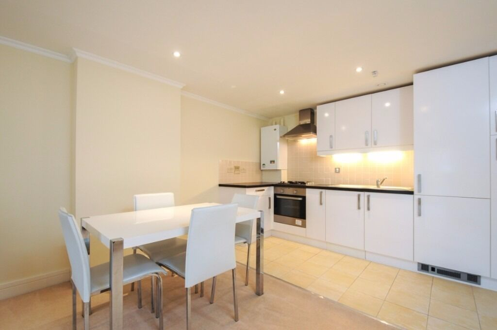 A stylish two bedroom flat offering bright, open-plan living, Greyhound Road, W14