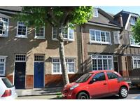 4 bedroom house in Trenchard Street, London, SE10 (4 bed)