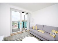 FANTASTIC 1 BED APARTMENT W/PRIVATE BALCONY & SECURE PARKING SPACE- HIGH STANDARD FURNITURE