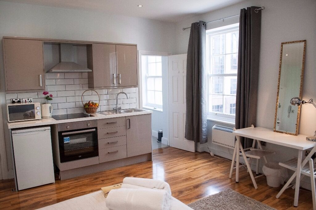 Studio Apartment Manchester piccadilly gardens stunning studio apartment , serviced short term