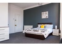 *Rooms in Newly Refurbished Professional House*