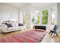 Bright and tastefully decorated 4 bed NO-HMO property in Stockbridge available NOW - NO FEES!
