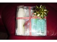 NEW AVON PAMPER GIFT SET IN PLASTIC BOX WITH RIBBON + BOW