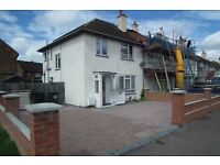 SPACIOUS 3 BEDROOM HOUSE TO LET IN DARTFORD. DSS WELCOME.