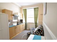 Self Contained West Kensington Studio En-suite £250 pw Most Bills Included