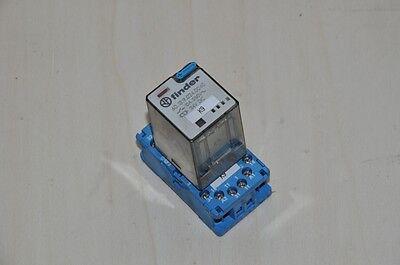 Finder Relais komplett  mit Sockel 24V DC , 230V 10A, 3 Ausgänge  24v Relais