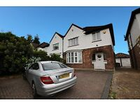 LARGE4 BED HOUSE - AMAZING GARDEN - EALING / BRENTFORD - £2500 PER MONTH - PERFECT FOR SHARERS