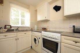 A spacious one double bedroom flat available to rent in New Malden. Sherfield Close.
