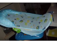 BABY CARRY BATHER IN EXCELLENT CONDITION