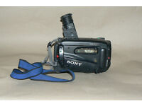 Sony CCD--TR780E Video Camera Recorder (video Hi8 Handycam)